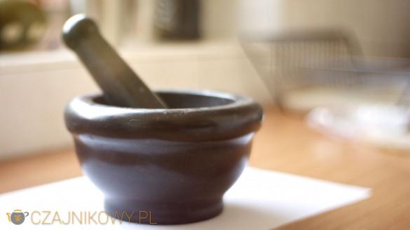 Parzenie zielonej kawy: moździerz